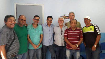 Vereadores participam de reunião no setor de Transporte da Secretaria de Saúde