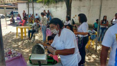 Vereadores participam do Dia da Beleza no Barros Franco