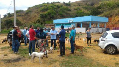 Vereadores acompanham processo de transição do canil municipal