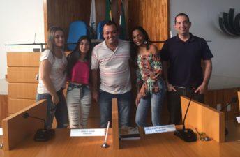 Vereador Josimar Ribeiro Alves (Zimar) recebe visita da filha no plenário
