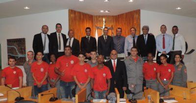 Aprovada lei que garante contratação de bombeiros civis