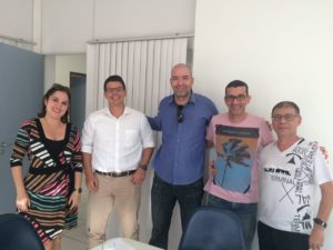Maior grupo empresarial da região doa computador para Câmara de Vereadores