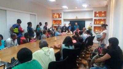 Famílias que residem na BR 393, no Cantagalo, participam de reunião com vereadores e prefeito Josimar Salles