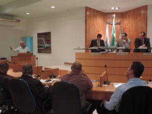 Ex-jogador e jornalista Zé Roberto Padilha participa de reunião da Câmara de Vereadores