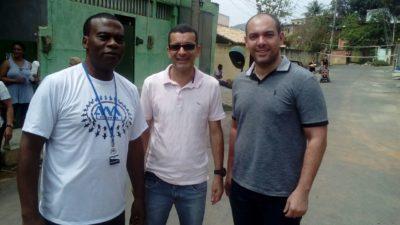 Vereadores Nilcélio Sá e Rafael Brasiel participam de festa das crianças nos Barros Franco