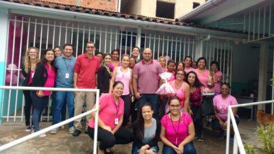 Vereadores participam de evento de conscientização contra câncer de mama no Ponto Azul