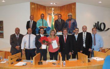 Subsecretária de Saúde recebe Moção de Aplausos na Câmara de Três Rios