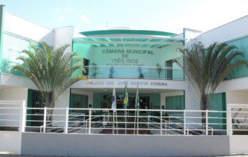 Câmara de Vereadores de Três Rios realiza sessão solene em homenagem aos 79 anos do município