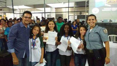 Vereador Juarez da Saúde participa de formatura do Proerd