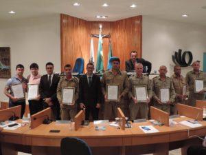 Bombeiros militares e policiais civis homenageados pela Câmara de Vereadores de Três Rios