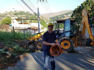 Vereador Isaías de Oliveira realiza limpeza na Cidade Nova e pede ajuda dos moradores para manter