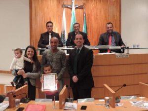 Vereador Fabiano Oliveira concede título de Amigo de Três Rios a Pingoto