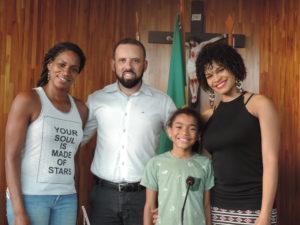 Vereador Fabiano Batista recebe visita do escritor infantil Nicolas Reis