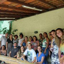 Luiz Alberto participa de café da manhã com mães autistas