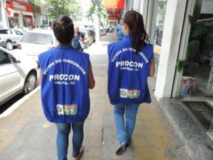 Equipe do Procon Três Rios realiza vistoria nas lojas do município