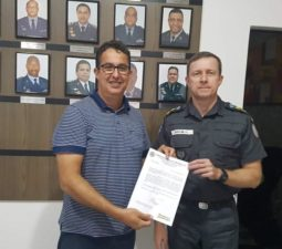 Vereador Isaías de Oliveira participa de reunião com comandante do 38º BPM