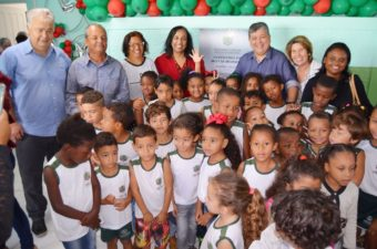 Vereador Telmo Cardoso participa de entrega da reforma da Escola Juventino da Motta Moraes