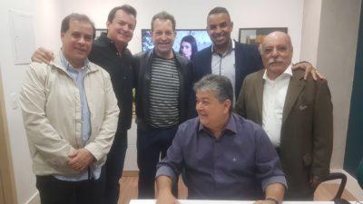Presidente Rogério Camarinho participa de inauguração da Cooperativa Sicoob