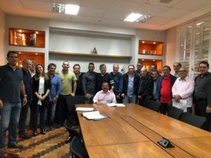 Representantes dos Poderes Legislativo e Executivo se reúnem com empresários para discutir parcelamento do solo