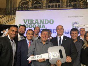 Rogério Camarinho participa de solenidade de entrega de duas ambulâncias para Três Rios
