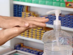 Equipe do Procon Três Rios monitora estabelecimentos comerciais que vendem álcool em gel