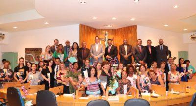 Câmara de Vereadores homenageia mulheres