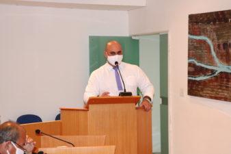 Jonas Dico cobra reabastecimento das farmácias do Posto Central e UPA Três Rios