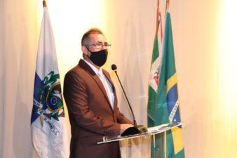 Vereadores tomam posse no Teatro Celso Peçanha e Professor Erquinho é eleito presidente da Câmara de Vereadores para o biênio 2021/2022