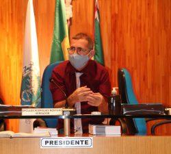 Professor Erquinho pede análise do IPTU