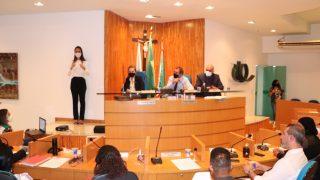 Sessões legislativas com intérprete de libras