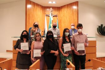 Câmara de Vereadores homenageia equipe da Secretaria de Saúde